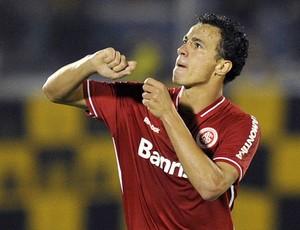 Leandro Damião gol internacional (Foto: AFP)