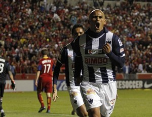 Humberto Suazo, do Monterrey (Foto: Reuters)