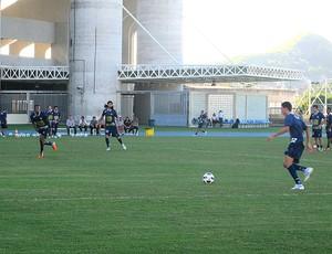 jogadores no treino do Botafogo (Foto: Thiago Fernandes / GLOBOESPORTE.COM)