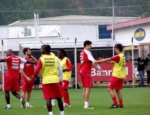 bolivar rafael sobis internacional treino (Foto: Alexandre Alliatii / Globoesporte.com)