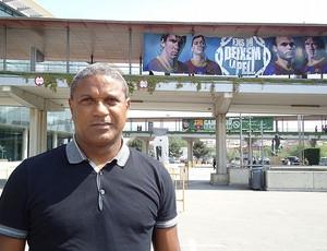 mazinho barcelona (Foto: Thiago Dias / Globoesporte.com)