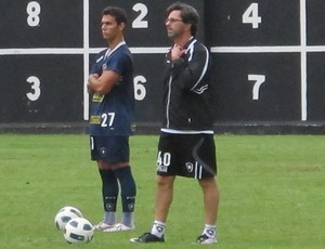 caio jr treino botafogo (Foto: Gustavo Rotstein/Globoesporte.com)