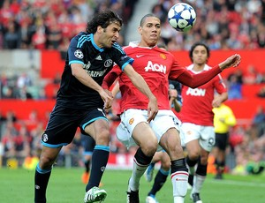 Raul na partida do Schalke contra o Manchester United (Foto: Getty Images)