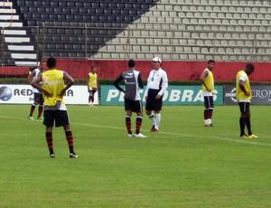 Antonio Lopes comanda treino do Vitória no Barradão (Foto: Eric Luis Carvalho)