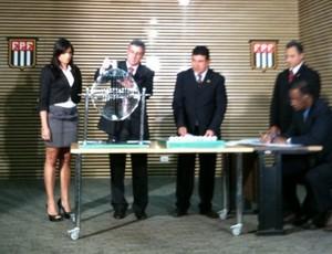 Sorteio do árbitro da final do Campeonato Paulista (Foto: Alexandre Massi / Globoesporte.com)
