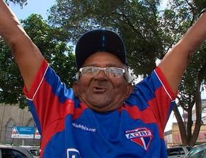 Seu Bia, torcedor do Bahia de Feira matéria do Bahia Esporte (Foto: Reprodução/TV Bahia)