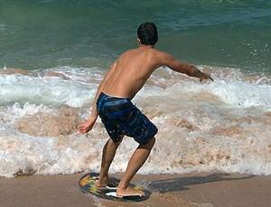Skimboard para matéria do Bahia Esporte (Foto: Reprodução/TV Bahia)