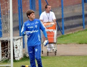 Renan, goleiro do Avaí (Foto: Marcelo Prado / GLOBOESPORTE.COM)