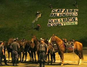protesto da torcida do Palmeiras no Pacaembu (Foto: Diego Rodrigues / GLOBOESPORTE.COM)