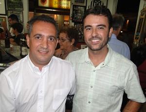 Giovanni e Ricardo, frequentadores do Bar do Salomão (Foto: Marco Astoni / Globoesporte.com)