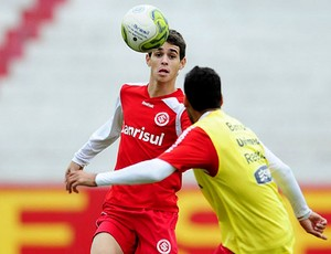 Oscar no treino do Internacional (Foto: Alexandre Lops / Site Oficial do Internacional)