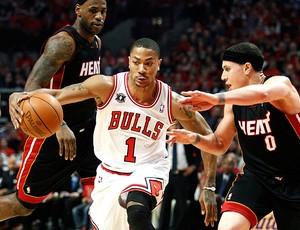 basquete derrick rose chicago bulls mike Bibby miami heat (Foto: agência Reuters)