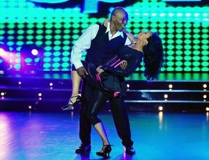 tyson ao lado de sua esposa Lakhia Spicer dança com as estrelas  (Foto: agência AFP)