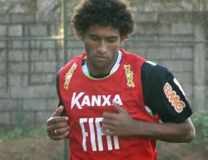 Willian Rocha no treino do América-MG (Foto: Lucas Catta Prêta / GLOBOESPORTE.COM)