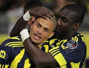 alex fenerbahçe gol (Foto: Divulgação / Site Oficial do Fenerbahçe)