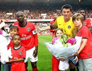 Gregory Coupet e Claude Makelele encerram carreira no PSG (Foto: Divulgação / Site Oficial)