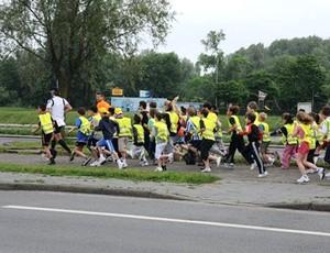 Stefaan Engels corrida de rua 365 maratonas crianças (Foto: Reprodução)