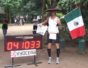 Stefaan Engels corrida de rua 365 maratonas México (Foto: Reprodução)