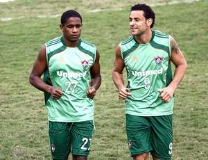 Fred e Valencia no treino do Fluminense (Foto: Agência Photocâmera)