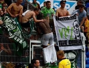 grafite comemora com torcida do wolfsburg (Foto: agência Reuters)