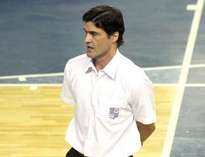 Raul Togni  técnico  basquete do Minas (Foto: Divulgação/Site Oficial)