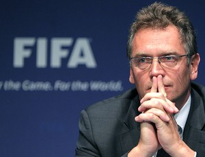 Jerome Valcke durante coletiva da FIFA (Foto: AFP)