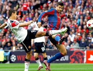 Chicharito na partida do Manchester United contra o Barcelona na final da Liga (Foto: Reuters)