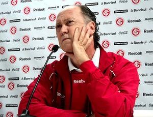 Falcão durante coletiva do Internacional (Foto: Alexandre Alliatti / Globoesporte.com)