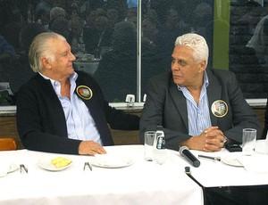Olavo Monteiro de Carvalho e Roberto Dinamite em evento (Foto: Rafael Cavalieri / GLOBOESPORTE.COM)