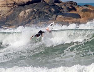 Raoni Monteiro surfe (Foto: ASP)