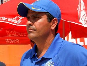 Alexandre Soares técnico brasil futebol de areia (Foto: CBBS / Divulgação)