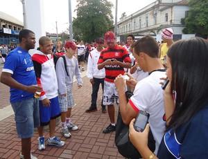 José Aldo e torcida Flamengo 2 (Foto: Adriano Albuquerque / SporTV.com)