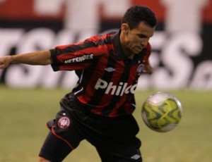 Wagner Diniz, lateral do Atlético-PR (Foto: Divulgação / Atlético-PR)
