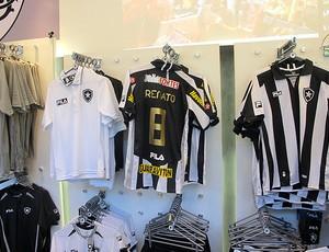 camisa renato botafogo loja  (Foto: Thiago Fernandes / Globoesporte.com)