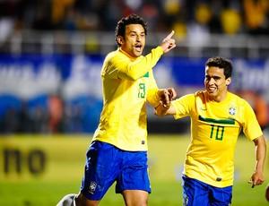 Fred gol Brasil x Romênia (Foto: Marcos Ribolli / Globoesporte.com)