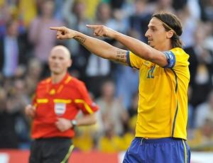 Ibrahimovic gol Suécia (Foto: Reuters)