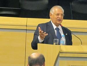 Eduardo de Rose durante palestra sobre doping (Foto: Rafael Bello/Acervo COB)
