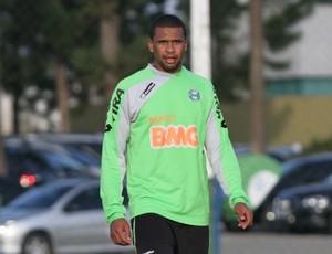 Zagueiro Pereira retorna aos treinos no Coritiba (Foto: Divulgação / Coritiba)