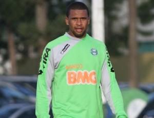 Pereira de volta aos treinos (Foto: Gabriel Hamilko/Globoesporte.com)