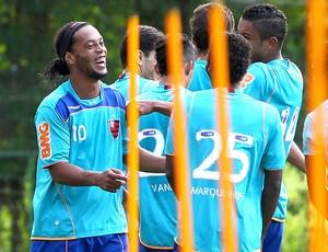 Ronaldinho Gaúcho no treino do Flamengo (Foto: Ivo Gonzalez / Agência O Globo)