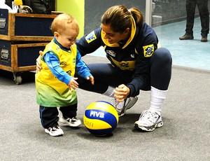 vôlei robertinha bebê brasil treino (Foto: Helena Rebello / Globoesporte.com)
