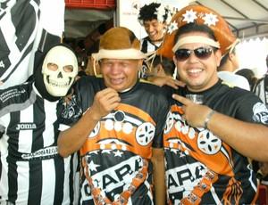 Cangaceiros do Ceará com o torcedor 'Chorão' (Foto: Divulgação)