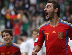 Adrian López comemora gol da Espanha sobre a Bielorússia na Eurocopa Sub-21  (Foto: Getty Images)