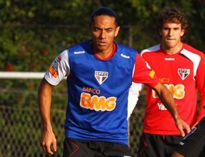 Carlinhos Paraíba em treino do São Paulo (Foto: Vipcomm)