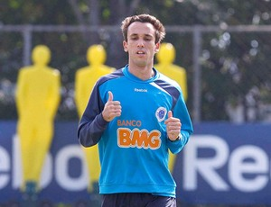 Thiago Ribeiro no treino do Cruzeiro (Foto: Washington Alves / VIPCOMM)