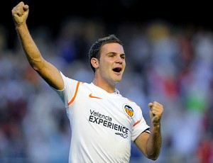 juan mata valencia gol  (Foto: Agência EFE)
