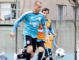 Marquinhos no treino do Grêmio (Foto: Wesley Santos / PressDigital)
