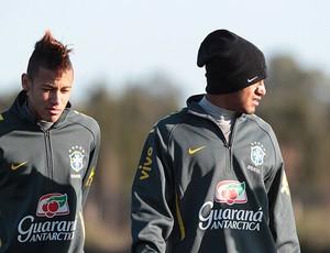 Frio Neymar Lucas Seleção (Foto: Thiago Lavinas / Globoesporte.com)