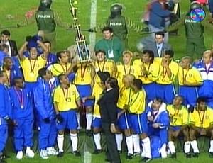 frame seleção brasileira campeã copa américa 1997 (Foto: Reprodução/TV Globo)