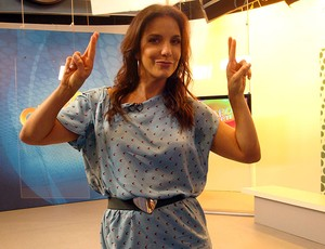 Ivete Sangalo no estúdio do Globo Esporte Bahia (Foto: Tamires Fukutani/Globoesporte.com)